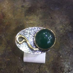 Yeşil akik taşlı 925 ayar el işi gümüş yüzük
